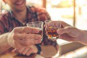 7 Mitos Tentang Minuman Beralkohol