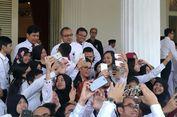 HUT RI Ke-72, Sri Mulyani Selfie Hingga Joget di 'Istana' Daendels