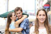 Mengapa Pria Melirik Wanita Lain Meski Sudah Punya Pasangan?