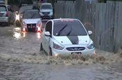 Banjir Sebabkan Trans Sulawesi Macet, Warga Turun Atur Lalu Lintas
