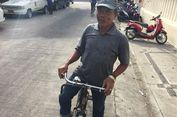 Cerita Udin Bertahan Jadi Ojek Sepeda Ontel di Tengah Serbuan Ojek 'Online'