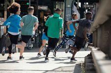 Olahraga Lari Itu Murah, yang Mahal Itu Hobi Lari