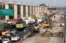 Biaya Kemacetan Pembangunan Tol Jakarta-Cikampek Membengkak Rp 15 T