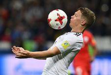 Borussia Dortmund Lepas Bek Timnas Jerman