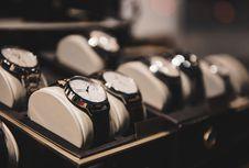 Jam Tangan Anda Juga Perlu Dibersihkan