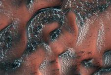 Ternyata, Mars yang Gersang Juga Punya Badai Salju