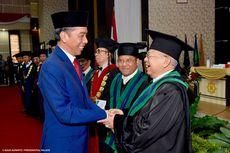 Jokowi Beri Selamat ke Ma'ruf Amin atas Gelar Guru Besar