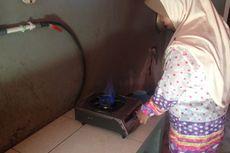 Gas di Dapur Taslimah Berasal dari Kotoran 13 Sapi di Belakang Rumahnya