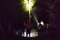Dramatis, Tim SAR Evakuasi Pria Depresi yang Panjat Pohon Selama 10 Jam