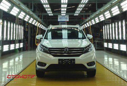 Menjajal SUV Sokon Glory 580 Produksi Serang (Video)