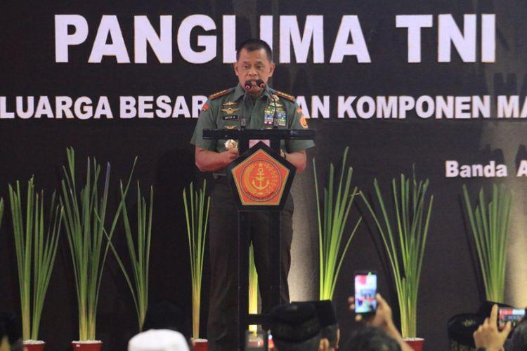 Panglima tni jenderal gatot nurmantyo melakukan safari ramadhan dan silaturahmi dengan tokoh agama dan tokoh masyarakat serta prajurit di jajaran kodam iskandar muda di banda aceh.