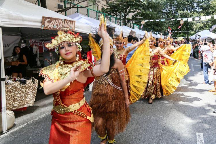 Pagelaran budaya di  Indonesian Street  Festival, tanggal 26 Agustus di Manhattan, <a href='http://pontianak.tribunnews.com/tag/new-york' title='New&nbsp;York'>New&nbsp;York</a>, <a href='http://pontianak.tribunnews.com/tag/amerika-serikat' title='Amerika&nbsp;Serikat'>Amerika&nbsp;Serikat</a>.