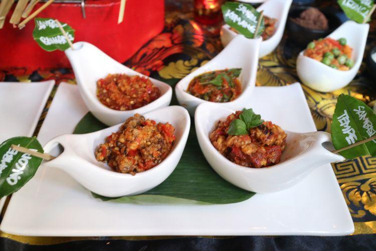 Empat dari 21 jenis sambal yang dihadirkan dalam Festival Sambal Nusantara, di Restoran Lara Djonggrang.