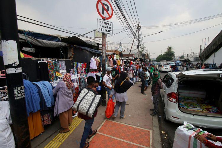 Enam Jam di Tanah Abang, Jajal Jadi PKL hingga Dengar Keluh Kesahnya
