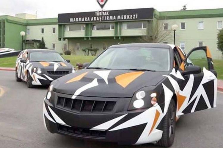 Turki membeli lisensi teknologi Saab 9-3 dari NEVS pada tahun 2015. Prototipe di atas menggunakan bodi BLS Cadillac.
