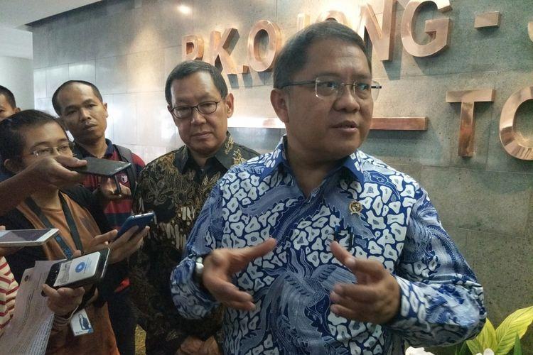 Menteri Komunikasi dan Informatika Rudiantara saat ditemui usai menjadi pembicara kunci Seminar Nasional 10 Tahun UMN bertajuk Memperkuat Keamanan Siber Nasional di kampus UMN, Serpong, Tangerang, Banten, Selasa (21/11/2017).