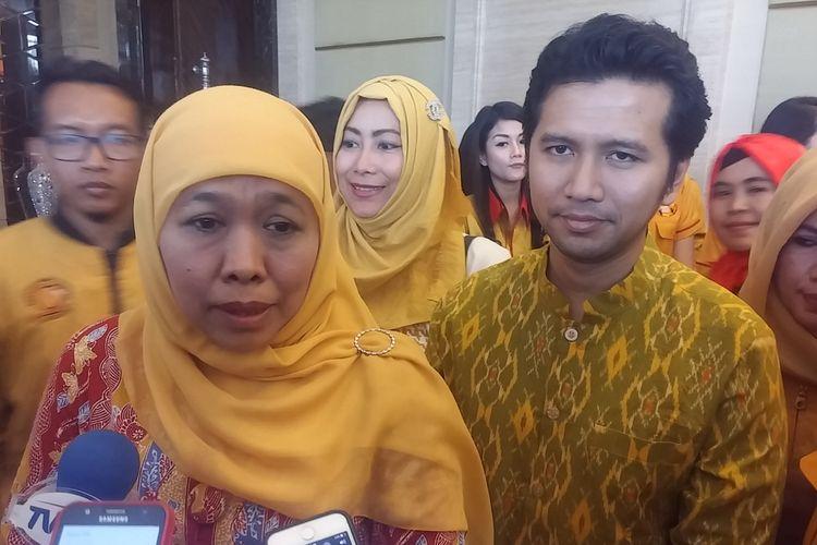 Pasangan cagub dan cawagub Jatim, Khofifah Indar Parawansah dan Emil Elistyanto Dardak.