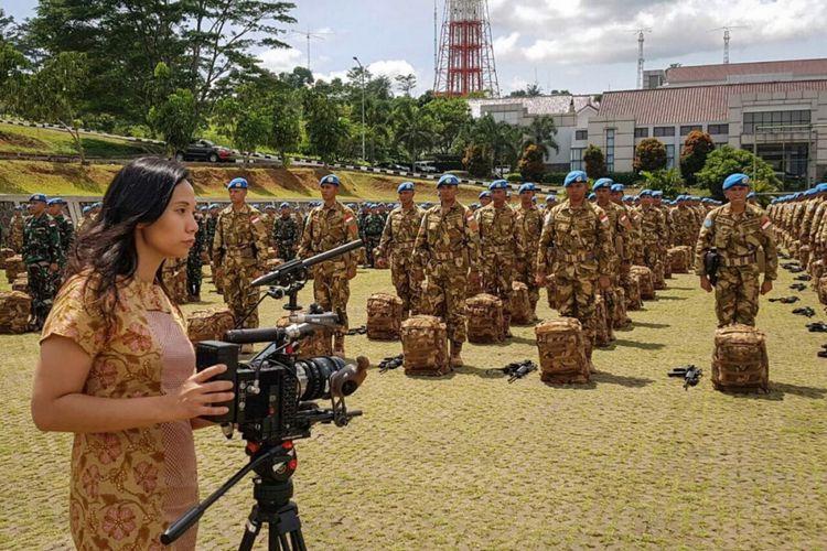 Dokumentasi Livi Zheng saat shooting film Indonesia: A True Partner for World Peace di Sentul, Bogor.