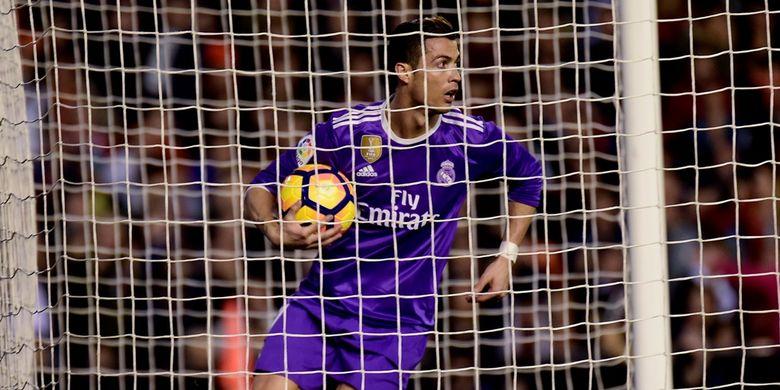 Gol Tandukan Ronaldo Gagal Selamatkan Madrid dari Kekalahan