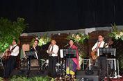 Menanti Jokowi di Elek Yo Band...
