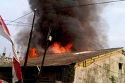 Saksi Dengar Suara Ledakan hingga Letusan Peluru di Kebakaran Gudang Mebel