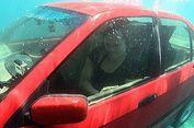 Perlu Tersedia Palu Pemecah Kaca di Mobil