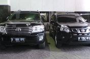 Anies-Sandi Pakai Mobil Dinas Land Cruiser dan Lexus