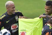 Seperti Saat di Barcelona, Dani Alves Ingin Pengaruhi Keputusan Neymar