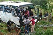 Larangan Bus Masuk Puncak Belum Permanen