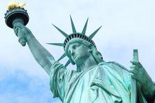IMF Pangkas Proyeksi Pertumbuhan Ekonomi AS dan Inggris