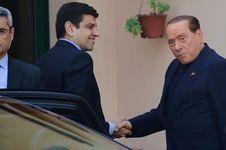 Berlusconi Khawatir dengan Kondisi Keuangan AC Milan