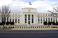 The Fed Segera Naikkan Suku Bunga, Wall Street Ditutup Naik