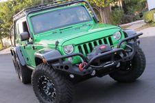 Hari Ini, Lelang Jeep dan Alphard Milik Koroptor Digelar