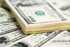Dollar AS Melemah, Terendah dalam 7 Tahun