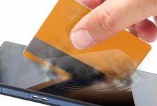 Bank Bisa Gratiskan Biaya Top Up Uang Elektronik