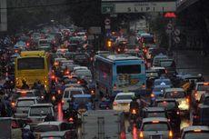 Djarot Sebut Sepeda Motor Akan Dibatasi agar Warga Beralih ke Angkutan Umum