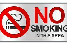 Pengunjung Merokok di Dalam Mal Citos meski Ada Larangan