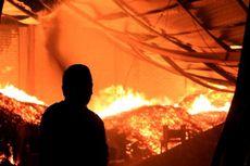 Ditinggal Pemilik, Sebuah Rumah Panggung di Bima Ludes Terbakar