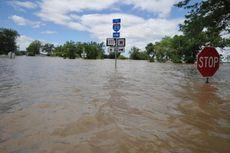 Jalan dan Jembatan Ambruk akibat Banjir di Belitung Timur