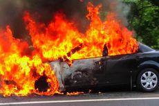 Mobil Berisi 2 Jerigen BBM Terbakar di Cawang, Polisi Cari Tahu Pemiliknya