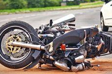 Tak Gunakan Helm, Seorang Mahasiswi Tewas Terjatuh dari Motor