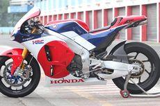 Lihat Langsung Motor Balap Marquez dan Pedrosa