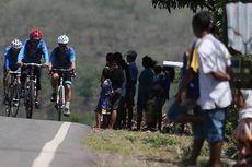 Enam Hari Membelah Flores dengan Sepeda
