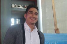 Marcel Chandrawinata Lamar Kekasih di Gedung Bioskop