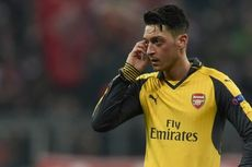 Mesut Oezil Masih Absen Bela Arsenal