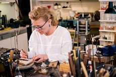 Asal Mampu Taklukan Rintangan Ini, Wanita Bisa Dirikan Bisnis
