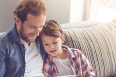 Membaca Buku Bersama Anak Banyak Manfaatnya