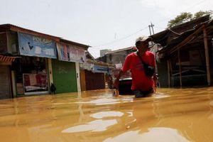 Di Semarang, Banjir Bandang hingga 1 Meter Terjadi di Mangkang Wetan