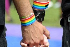Polisi Gerebek Pesta Kaum 'Gay' di Kelapa Gading