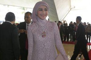 Desy Ratnasari Mengaku Sering Bertemu Ridwan Kamil dan Dedi Mulyadi